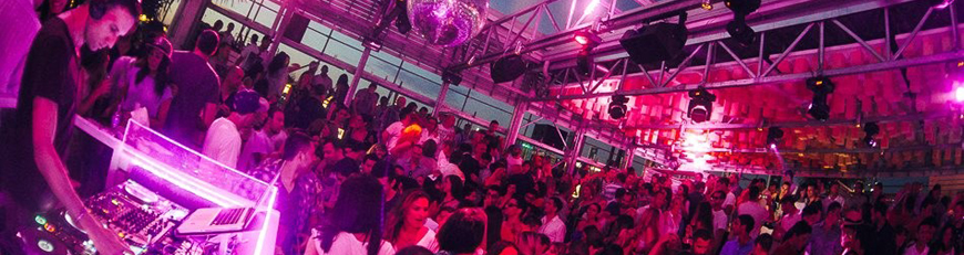 Bars & Dance Clubs